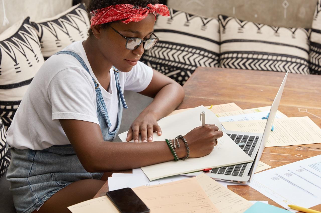 Giữ nhật ký giao dịch giúp bạn kiểm soát sự thiếu kiên nhẫn